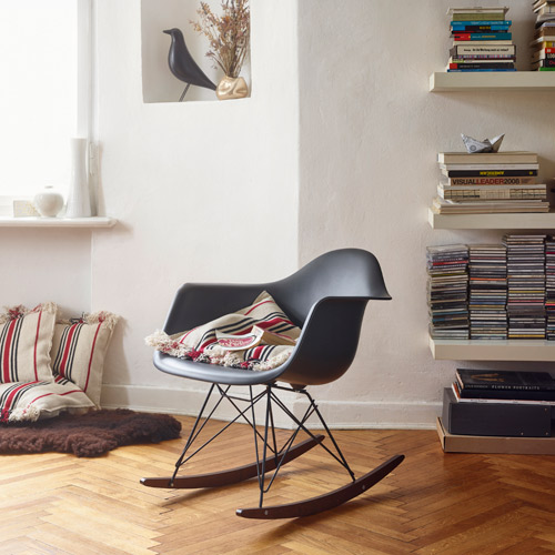 eames rar schaukelstuhl schwarz vitra. Black Bedroom Furniture Sets. Home Design Ideas